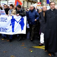 Католики франции против политизации религии на почве дебатов об однополых браках