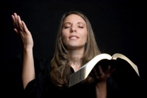 4488505-bible-woman