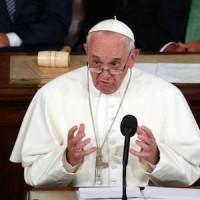 """Папа Римский об ЛГБТ-людях: """"Бог любит всех своих созданий"""""""