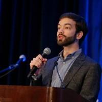Новый гей-активист устраивает встряску в мире евангеликов