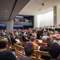 ЛГБТ-конгрегация заново осмысляет пространство синагоги