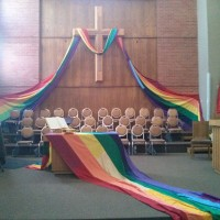 Киттридж Черри. Впервые я увидела радужный флаг в церкви