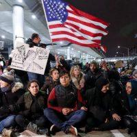 Протест против запрета на въезд в США в Чикаго
