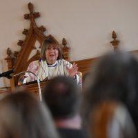 Рукоположение епископа-лесбиянки объявляют незаконным