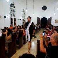 Трансгендерные пасторы проводят мессу на Кубе