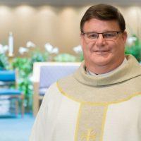 Католический священник из Милуоки сделал камин-аут во время воскресной проповеди