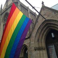 Мичиганскую церковь обвинили в репаративной терапии под видом групповой психотерапии