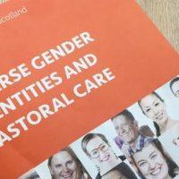 Церковь Шотландии выпустила буклет о трансгендерных людях