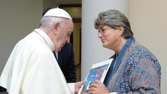 Папа Франциск встретился с ЛГБТ-активисткой Джейн Озанн